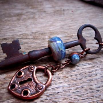 SW Studios Glass Lamwork Bead Skeleton Key Necklace